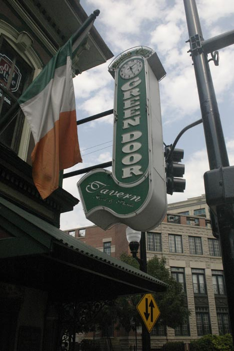 Three Coolest Speakeasies of Chicago