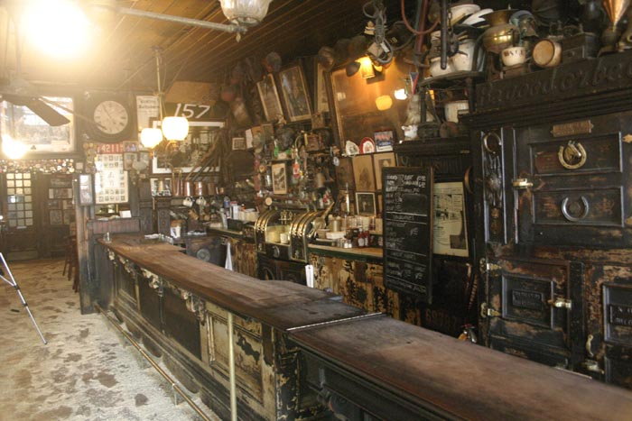 Mcsorley 39 s old ale house new york city for Food bar new york city